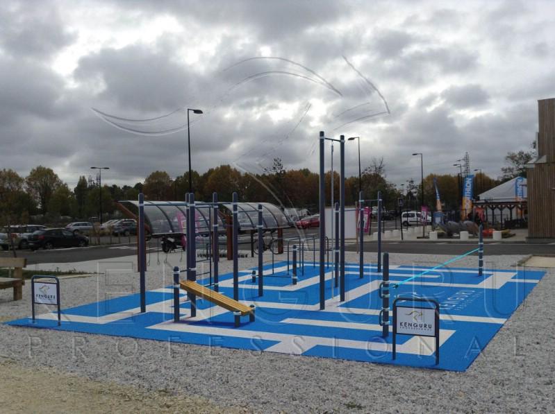 Nieuw outdoor workout en slack-line park gebouwd voor DECATHLON